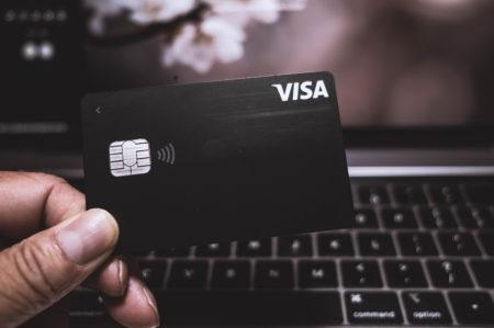 VISA LINE PAY カードを発行しました。